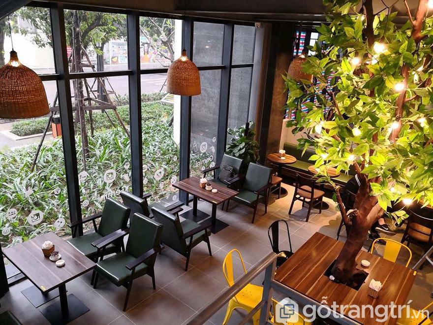 Bàn ghế quán cà phê