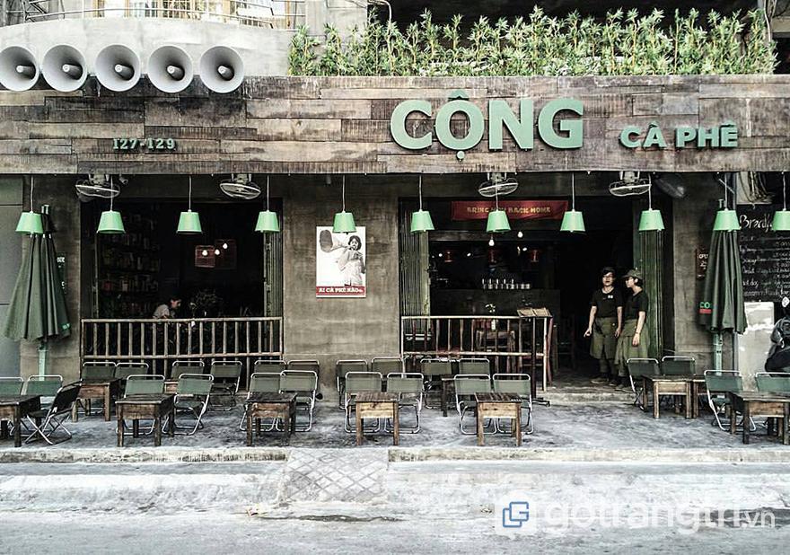 Cổng quán cà phê đẹp