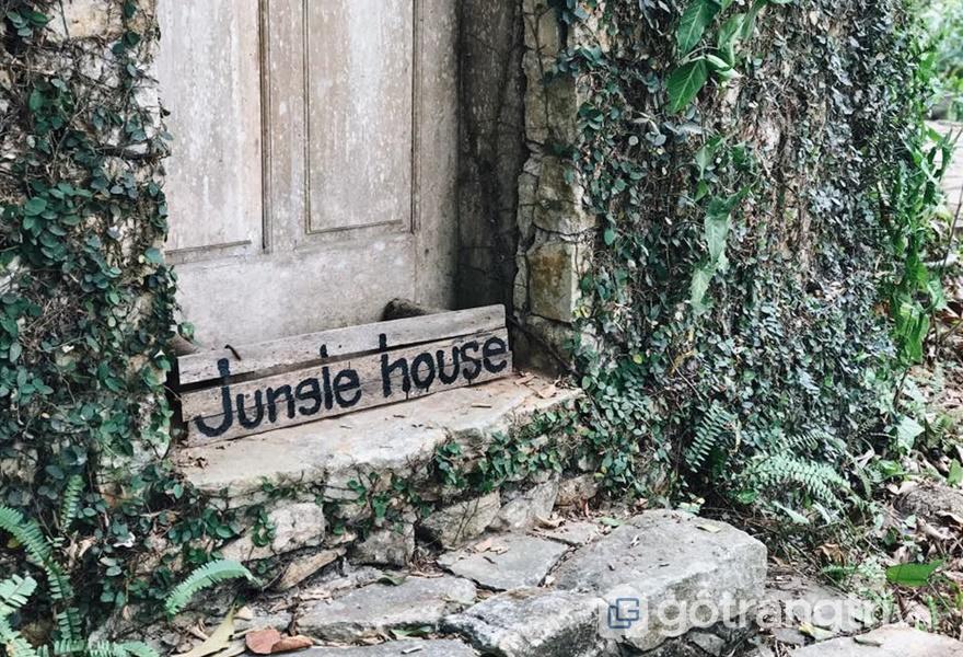 """Jungle House -Homestay gần Hà Nội được mệnh danh """"ngôi nhà cổ tích thời hiện đại"""" - ảnh internet"""