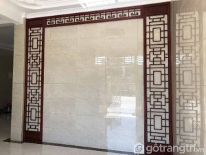 vach-ngan-cnc-phong-khach-gia-dinh-hoa-van-co-dien-gho-5180-3