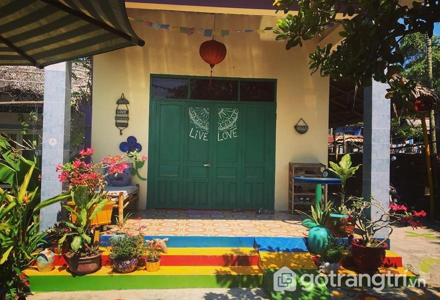 Căn nhà nhiều niềm vui bởi màu sắc luôn rực rỡ