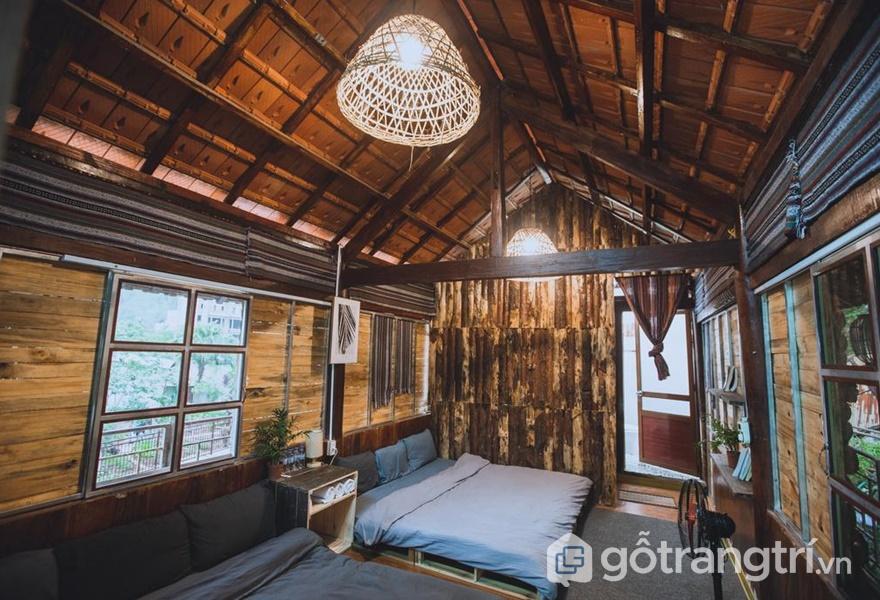Căn nhà được làm bằng nguyên gỗ (ảnh internet)