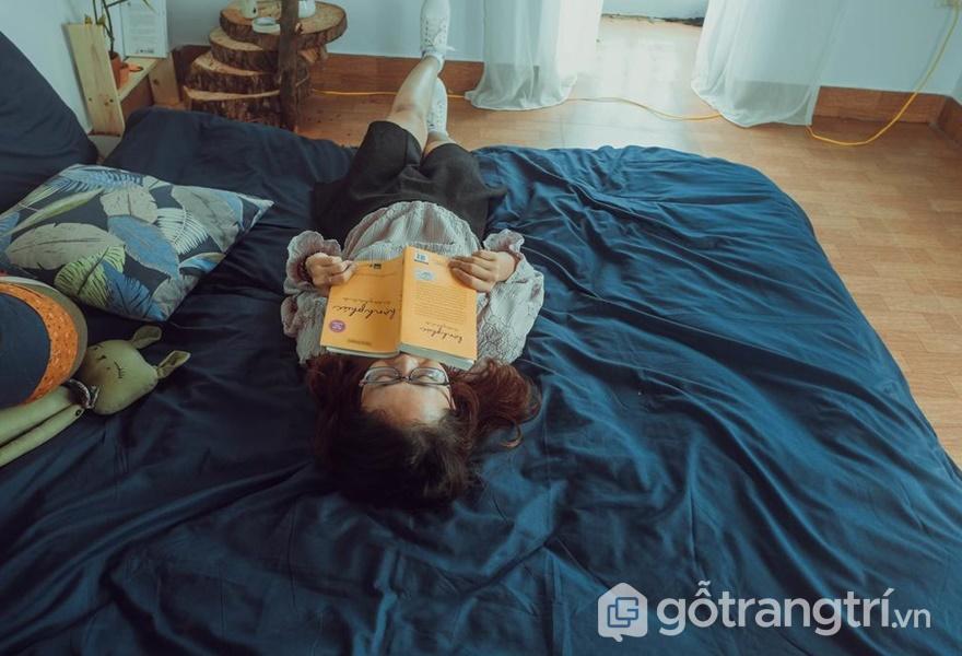 Phòng ngủ đơn giản cho cặp đôi - ảnh internet