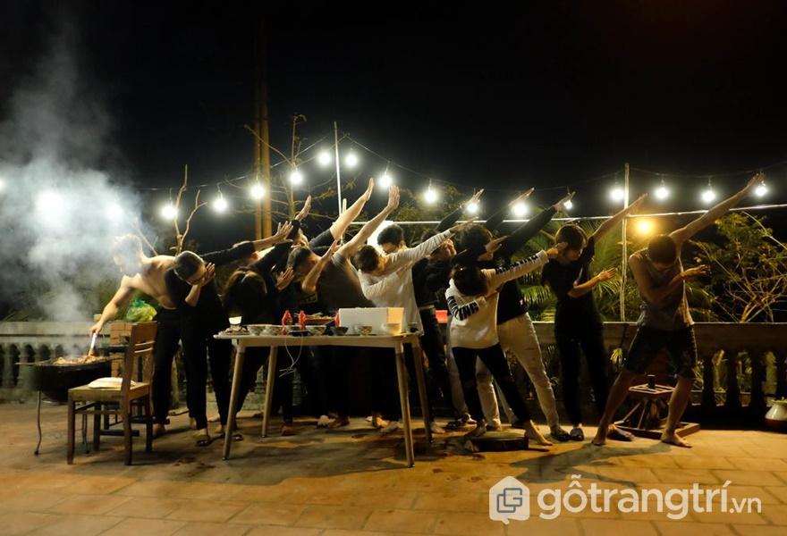 Những bữa tiệc nướng đặc biệt trên sân thượng - ảnh internet