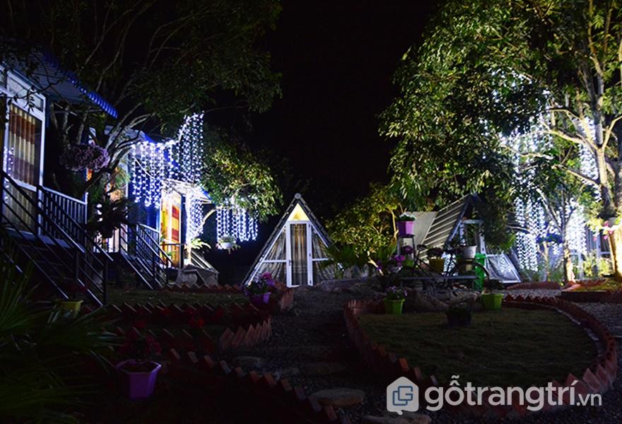 Không gian tạiLàng homestay Mộc Châu vào ban đêm (ảnh internet)