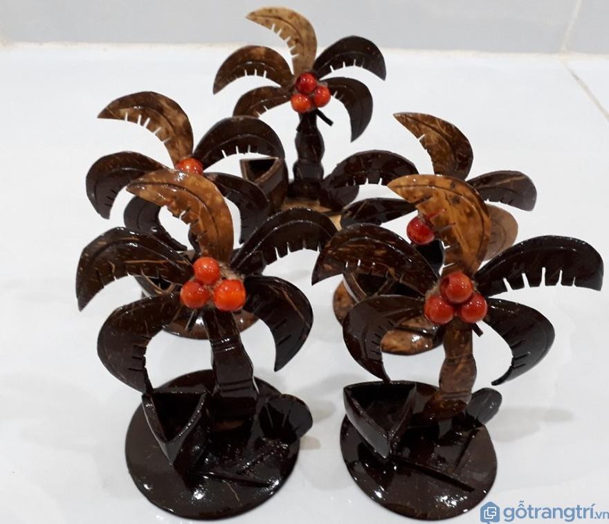 Cây dừa làm từ gáo dừa - Ảnh: Internet