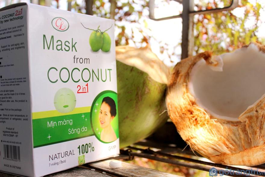 Mặt nạ làm từ dừa - Ảnh: Internet