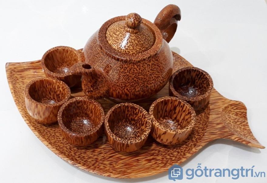Bộ ấm chén từ gỗ dừa - Ảnh: Internet
