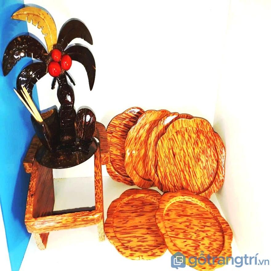 Đế lót ly từ gỗ dừa - Ảnh: Internet