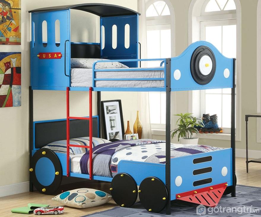 Giường tầng màu xanh được thiết kế khá ấn tượng với hình tàu hỏa tạo sự thích thú đối với trẻ nhỏ - Ảnh: Internet