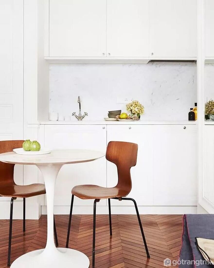 Mẫu 03: Nhà bếp nhỏ với tông màu trắng chủ đạo - Ảnh: Internet