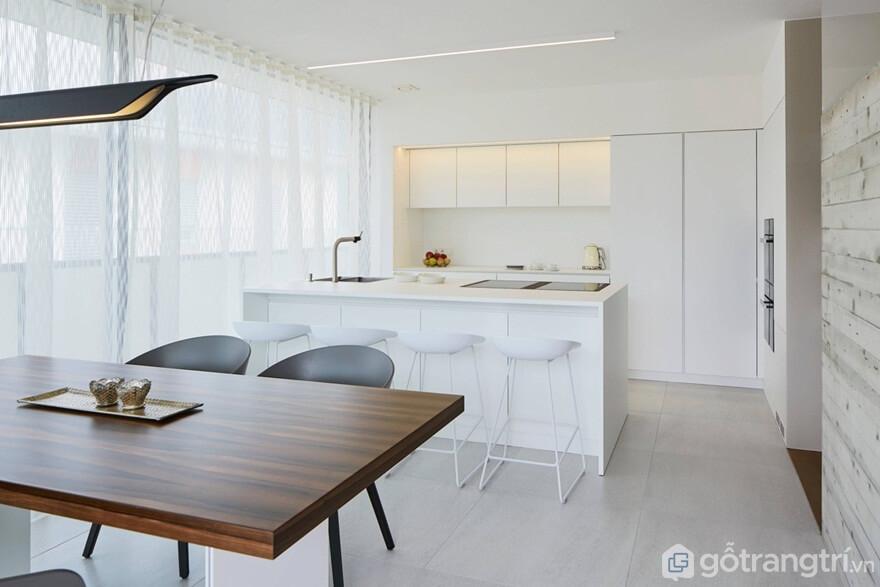 Mẫu 04: Mẫu nội thất phòng bếp tối giản với tông màu trắng sáng - Ảnh: Internet