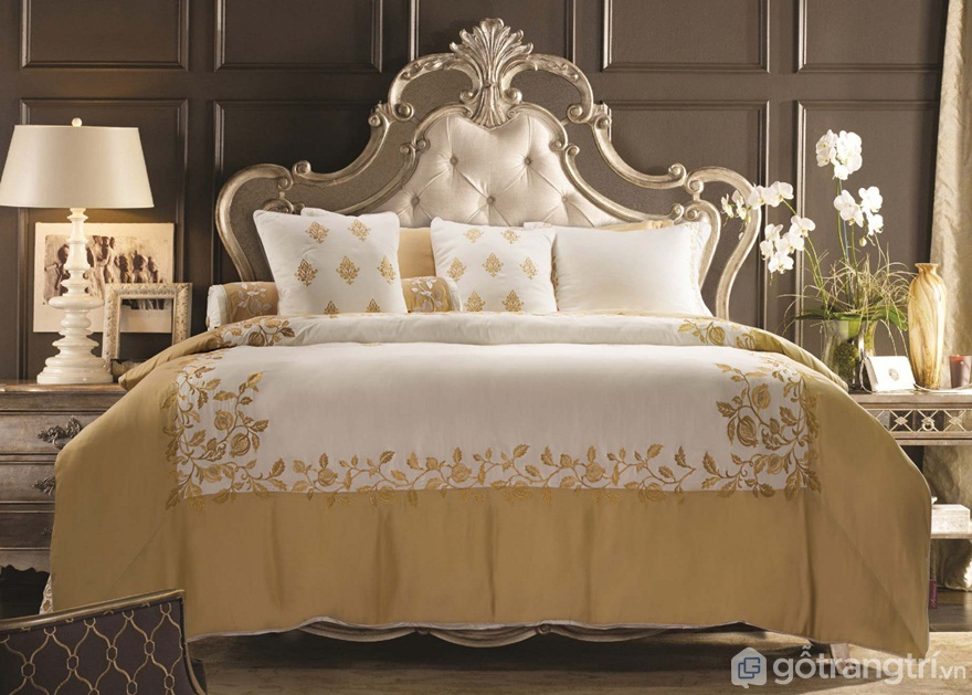 Thuyết phong thủy giường ngủ theo tuổi cho rằng nên lựa chọn những loại đệm và chăn ga có chất lượng tốt và mẫu mã đa dạng về màu sắc để có được giấc ngủ ngon nhất. (Ảnh: Internet)