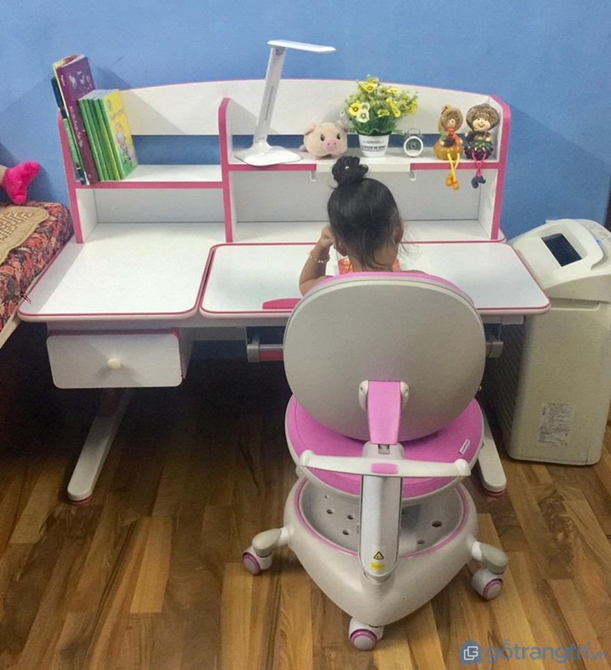 Lựa chọn bàn học cho bé từ 2 - 5 tuổi phù hợp - Ảnh: Internet