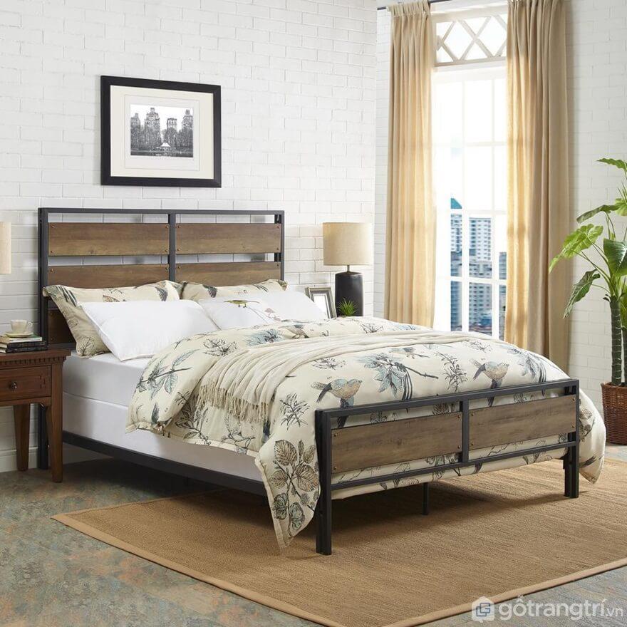 Giường ngủ kiểu Hàn Quốc bằng khung sắt kết hợp với lam gỗ nhìn khá độc đáo - Ảnh: Internet