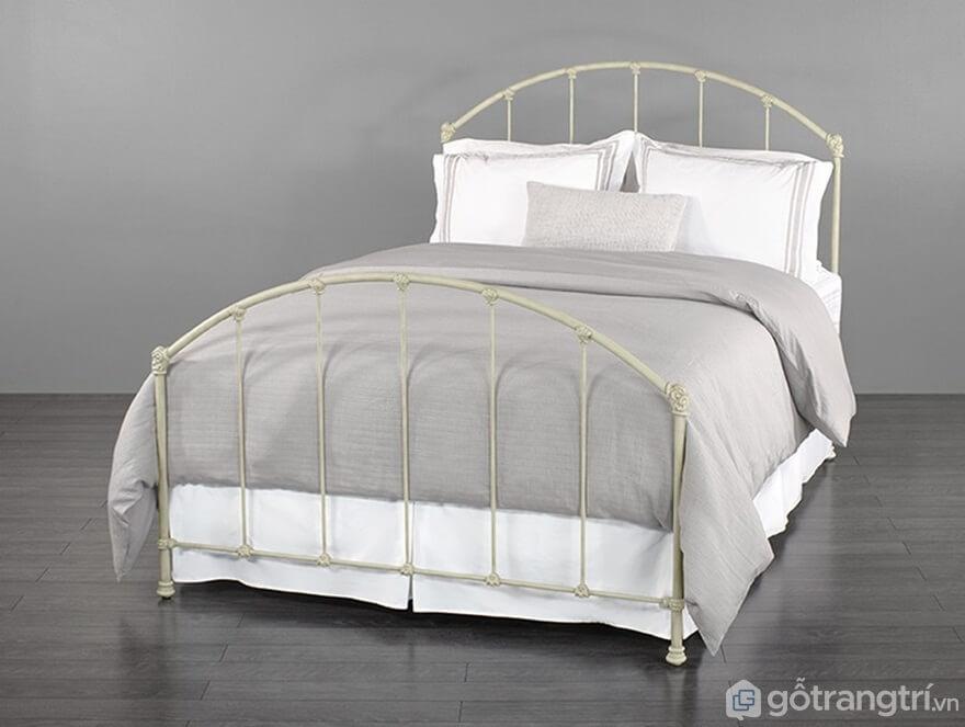 Giường ngủ Hàn Quốc với nan sắt mỏng manh - Ảnh: Internet