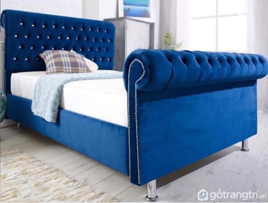 Giường ngủ màu xanh thể hiện sự quý phái cho gia chủ - Ảnh: Internet