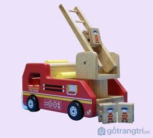 Do-choi-cua-be-xe-cuu-hoa-bang-go-GHB-878 (1)