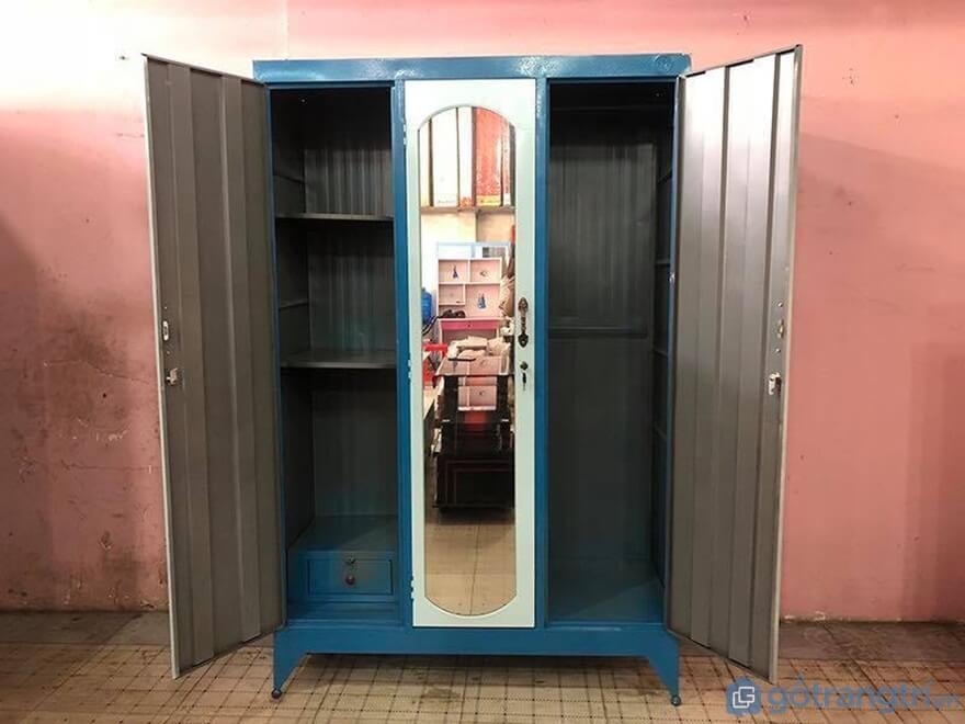 Tủ quần áo được làm từ tôn, kim loại 1m2 chiều ngang - Ảnh: Internet