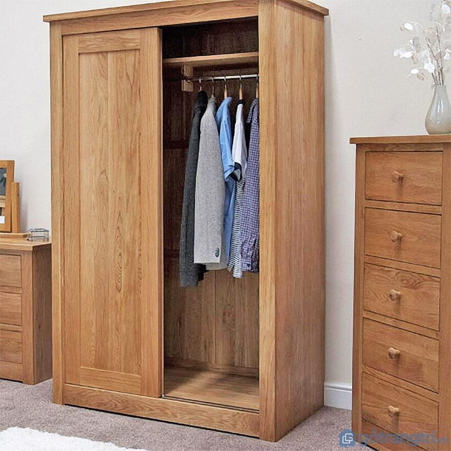 Tủ quần áo được làm từ gỗ tự nhiên - Ảnh: Internet