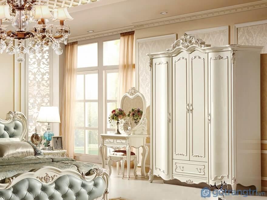 Tủ đựng quần áo 4 cánh tân cổ điển thiết kế nhẹ nhàng với gam màu trắng tinh khôi - Ảnh: Internet