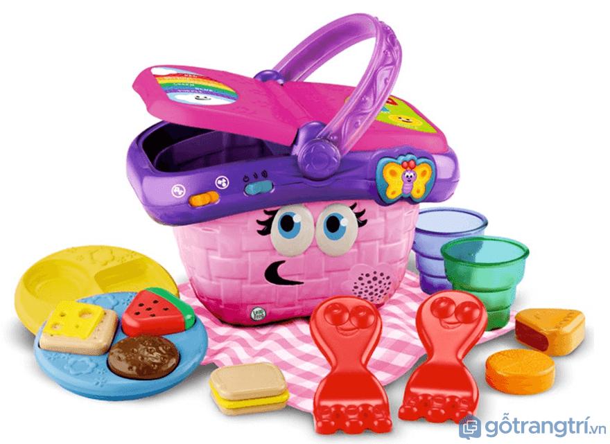 Chọn đồ chơi bé gái có nội dung phù hợp với giới tính - Ảnh: Internet