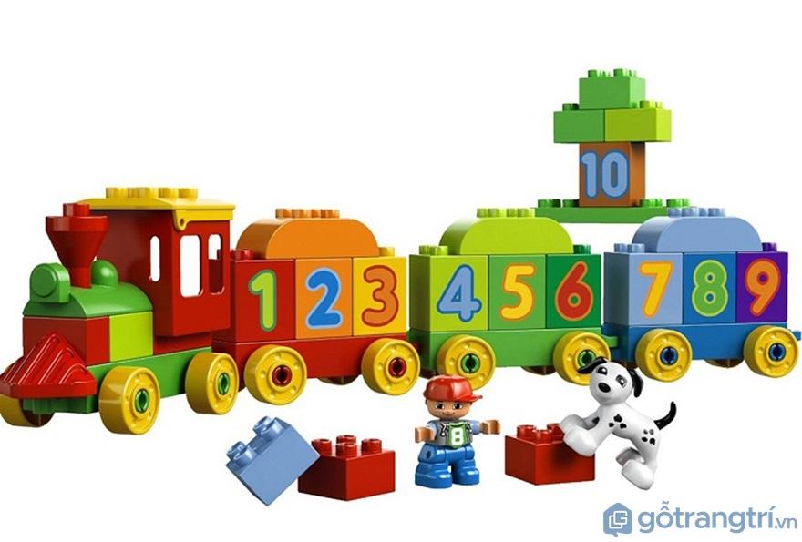 Lựa chọn đồ chơi có tính giáo dục cao - Ảnh: Internet