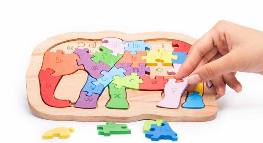 Chọn đồ chơi cho bé gái và 6 lưu ý cơ bản mà cha mẹ cần biết
