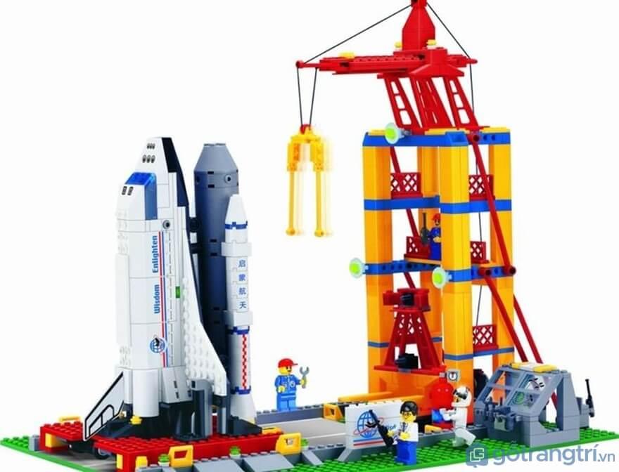 Lựa chọn đồ chơi cho bé trai theo năng khiếu - Ảnh: Internet