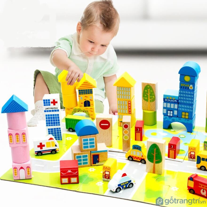 Đồ chơi mô hình là là loại đồ chơi rèn luyện sự khéo léo của cơ tay và giúp phát triển tư duy tốt của trẻ - Ảnh: Internet