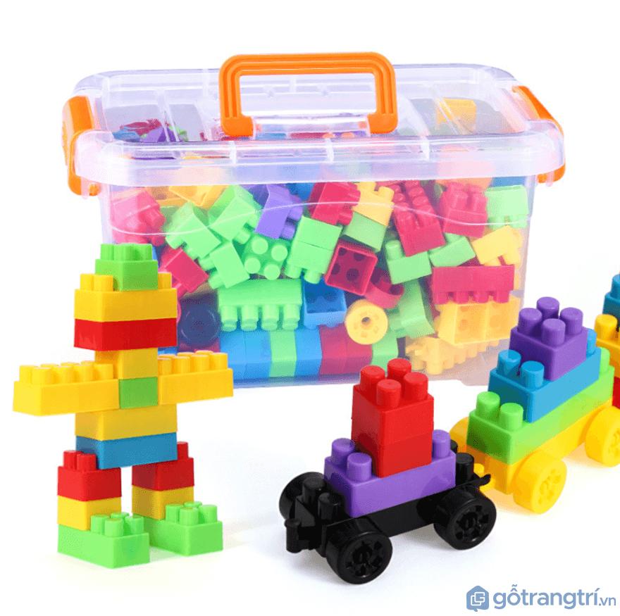 Đối với trẻ từ 3 - 4 tuổi nên chọn đồ chơi lắp ráp - Ảnh: Internet