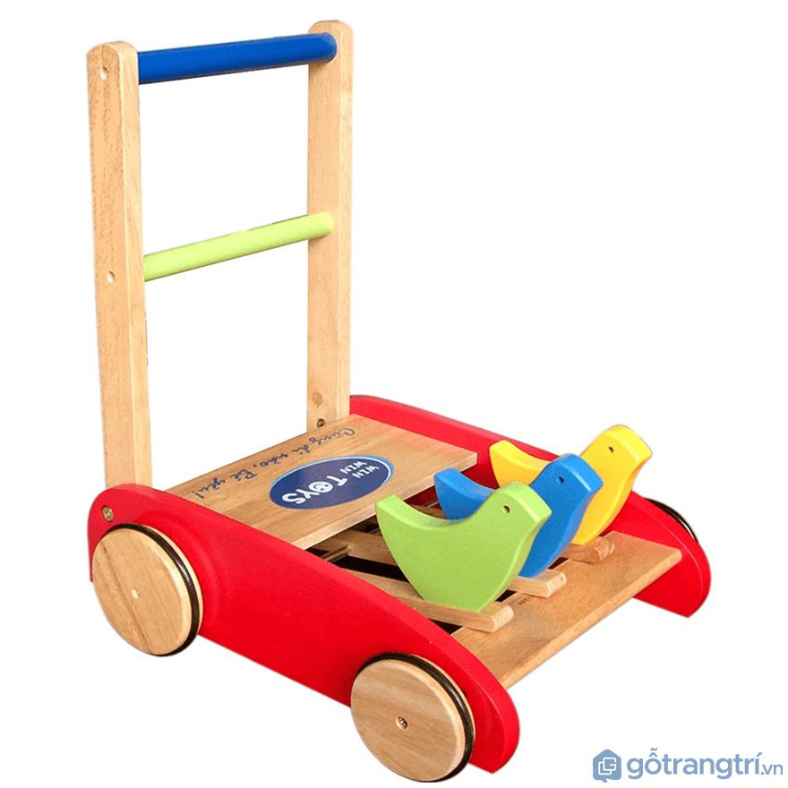 Đối với trẻ con ở giai đoạn 9 - 15 tháng tuổi thì cha mẹ có thể chọn xe tập đi cho bé - Ảnh: Internet