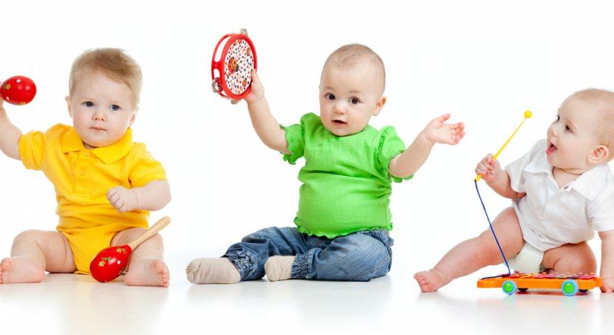 Đồ chơi cho trẻ sơ sinh và lợi ích tuyệt vời mà đồ chơi mang đến