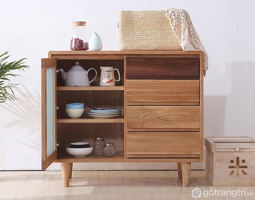 Tủ bếp gỗ tự nhiên có độ bền với nước, độ chắc cao - Ảnh: Internet