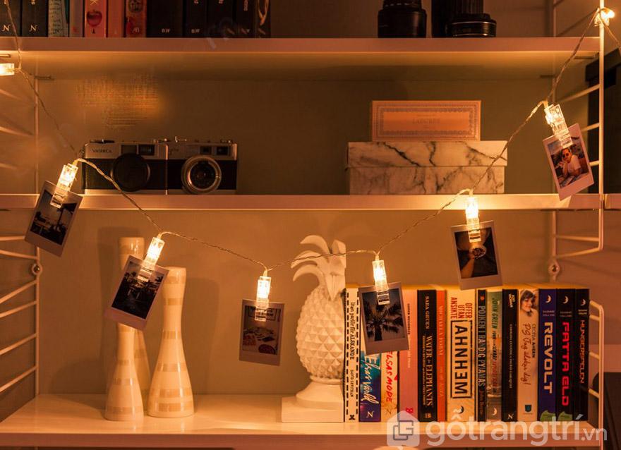 dùng đèn trang trí phòng ngủ