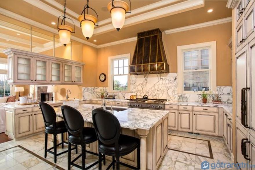 Tủ bếp phong cách tân cổ điển treo tường - Mẫu 01 (Ảnh: Internet)