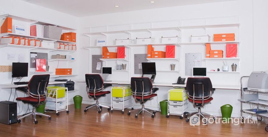 Tủ hồ sơ văn phòng treo tường giúp tiết kiệm không gian làm việc - Ảnh: Internet