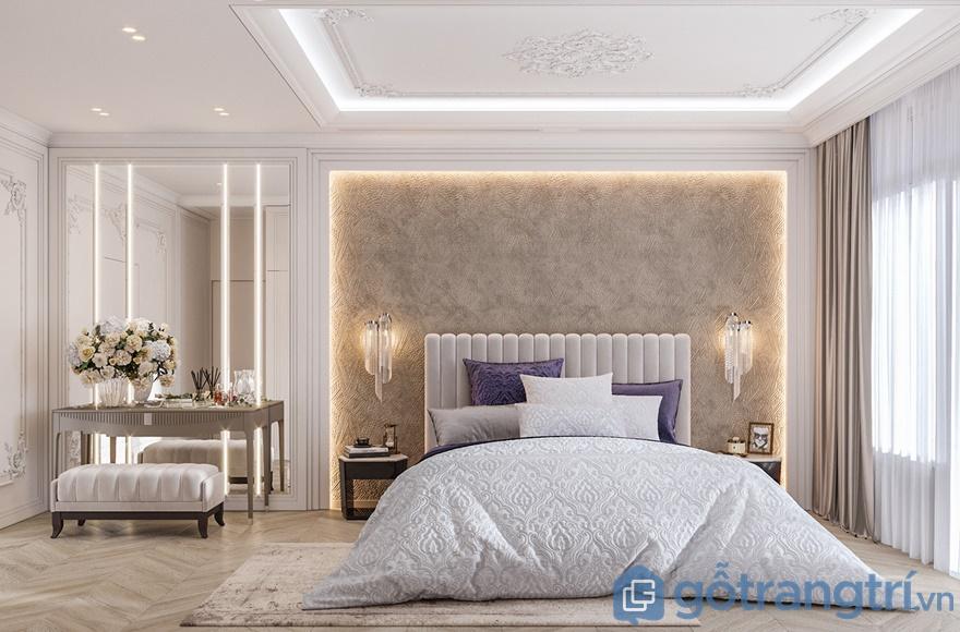 Nội thất phòng ngủ được sử dụng gam màu trắng sáng và màu tím dịu nhẹ