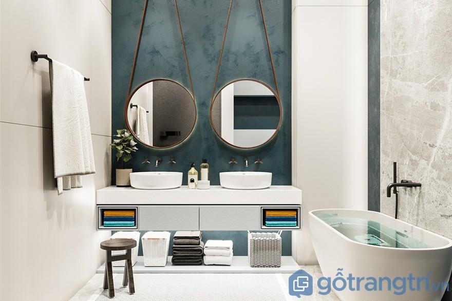 Các đồ nội thất phòng tắm đều được bài trí ngăn nắp, gọn gàng