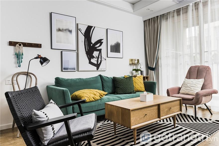 Không gian phòng khách trở nên rộng lớn và sinh động hơn