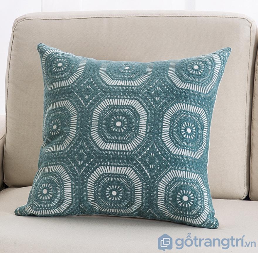 Goi-tua-lung-hoa-tiet-vai-lanh-trang-tri-sofa-GHO-118 (2)
