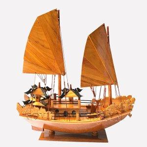 Mo-hinh-tau-thuyen-go-Ha-Long-trang-tri-cao-cap-GHS-6650-1-ava(2)