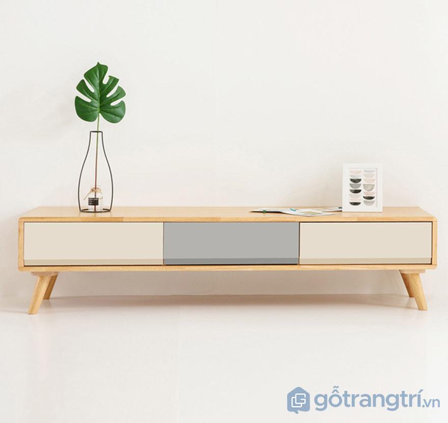 Ke-tivi-nho-gon-cho-gia-dinh-GHS-3380