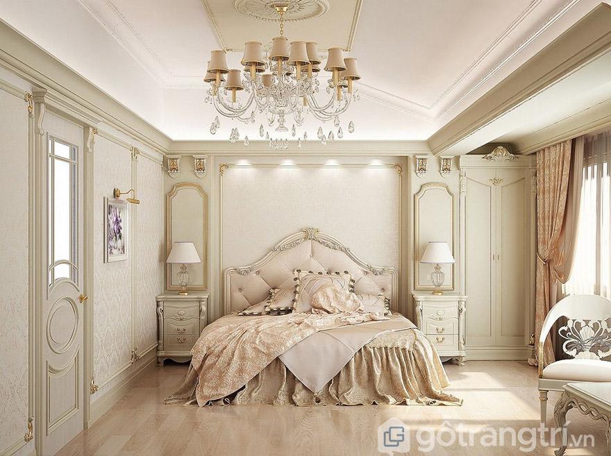 giường hoàng gia