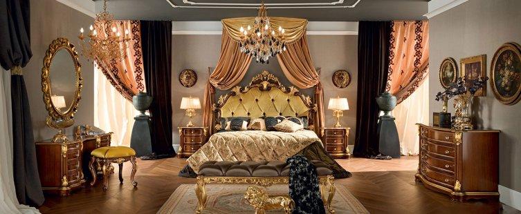 giường ngủ hoàng gia