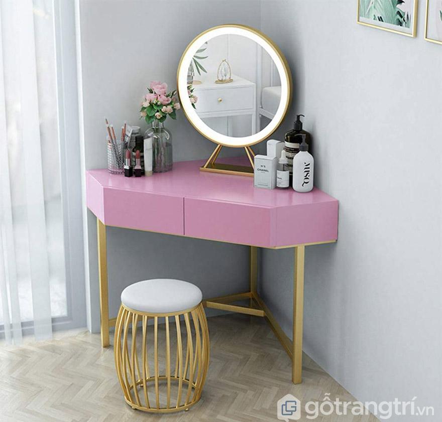 bàn trang điểm màu hồng