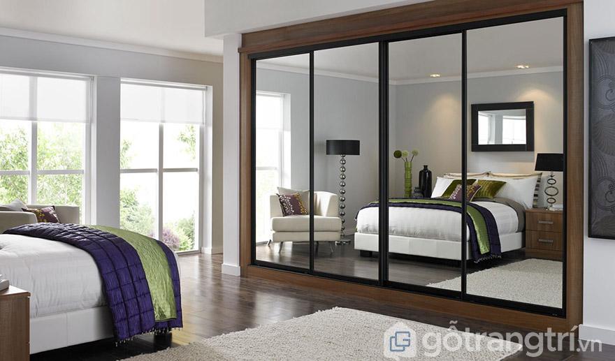Mẫu tủ quần áo gỗ tự nhiên 4 cánh cửa lùa hiện đại
