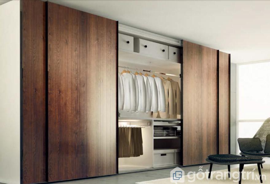 Mẫu tủ quần áo gỗ tự nhiên 4 cánh cửa lùa
