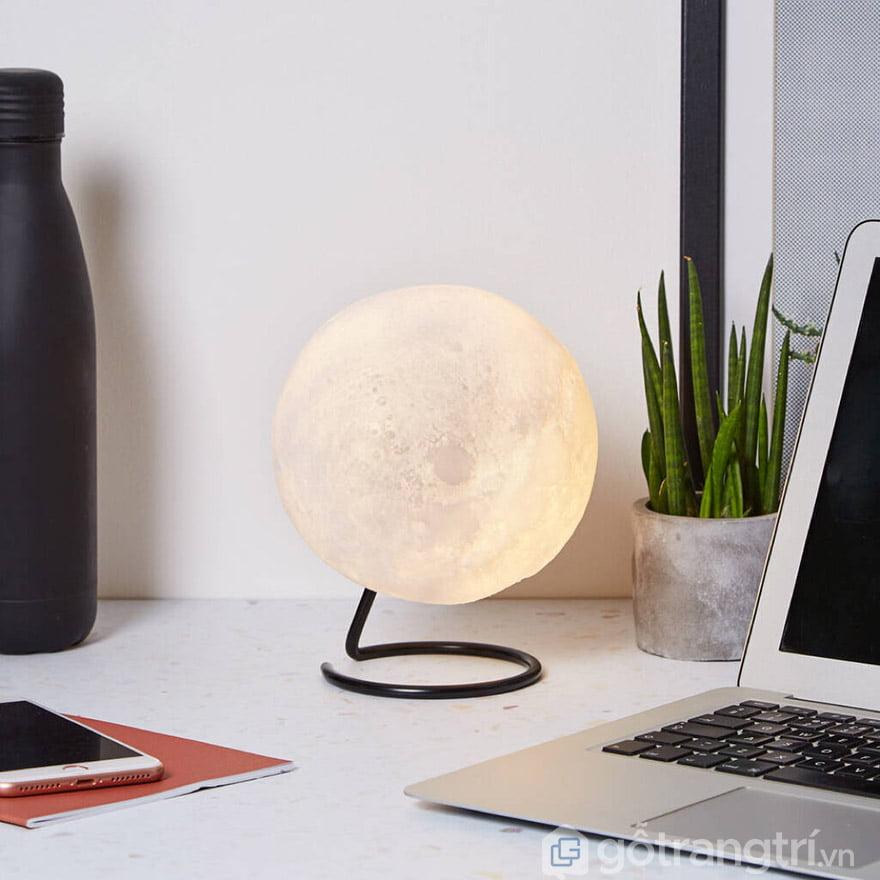 đèn ngủ để bàn mặt trăng