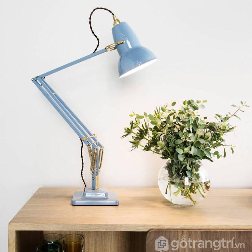 kinh nghiệm mua đèn học cho con